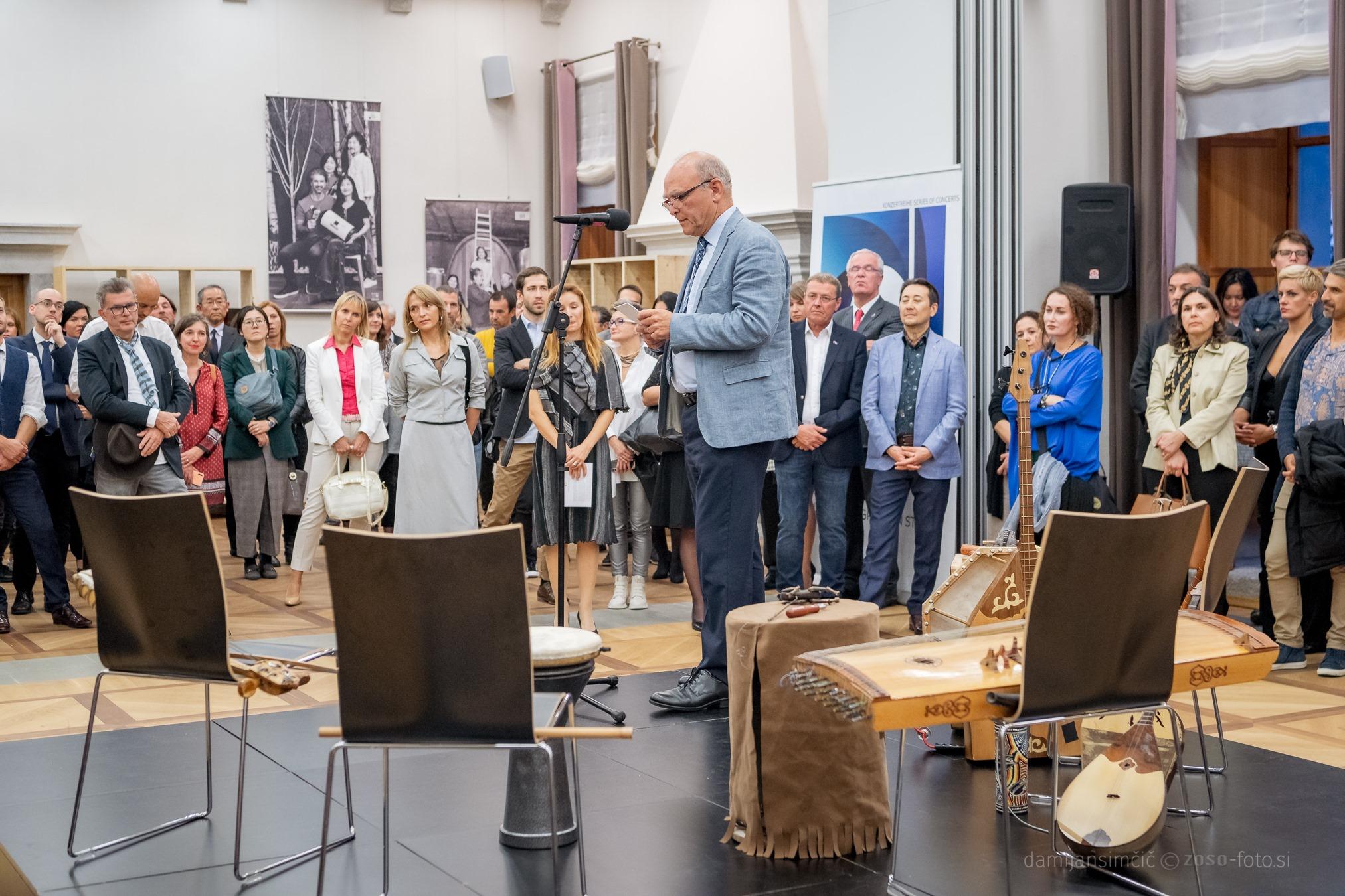 Odprtje razstave del Art Circle 2019